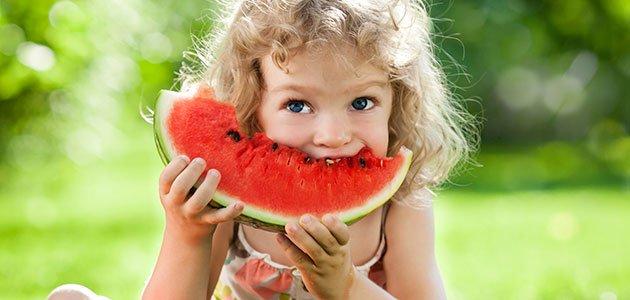 Cómo hacer que los niños coman fruta